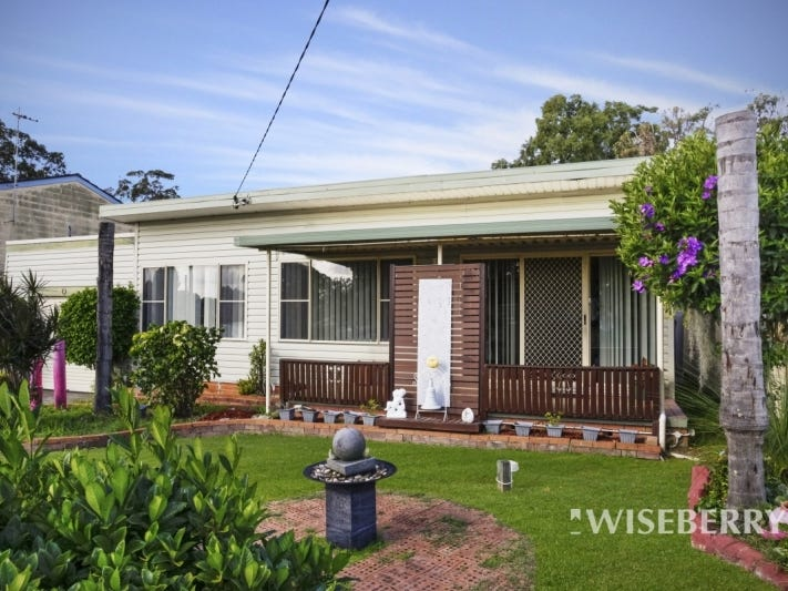 83 Taronga  Avenue, San Remo, NSW 2262