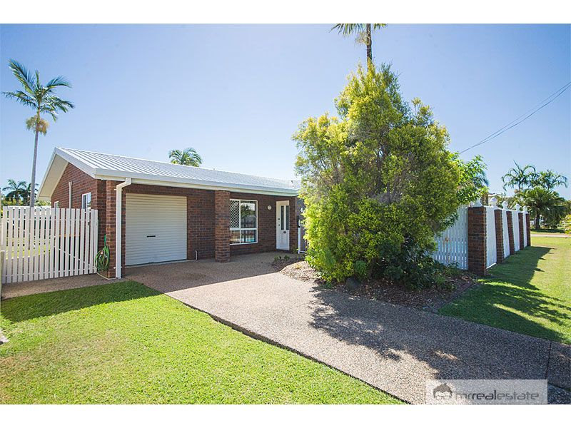 45 Kingfisher Parade, Norman Gardens, Qld 4701