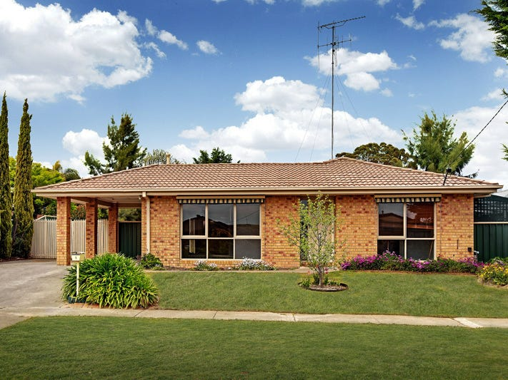 5 DEAN DRIVE, Broadford, Vic 3658