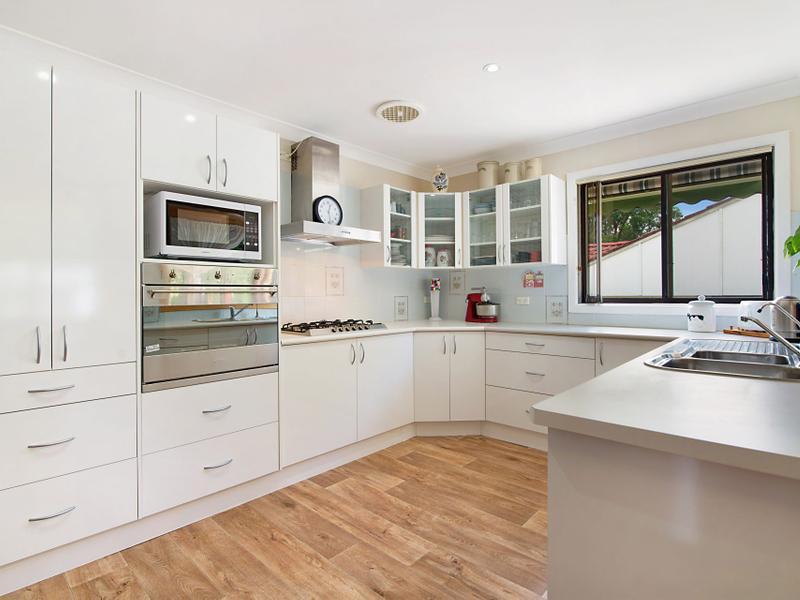 8 Carinya Street, Charmhaven, NSW 2263