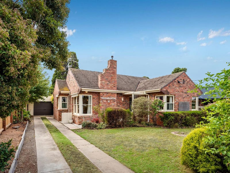 4 Evelyn Street, Manifold Heights, Vic 3218