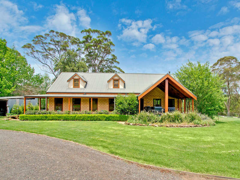 1579 Bells Line of Road, Kurrajong Heights, NSW 2758