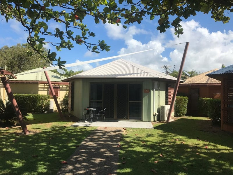 5 Homestead Bay Avenue, Bucasia