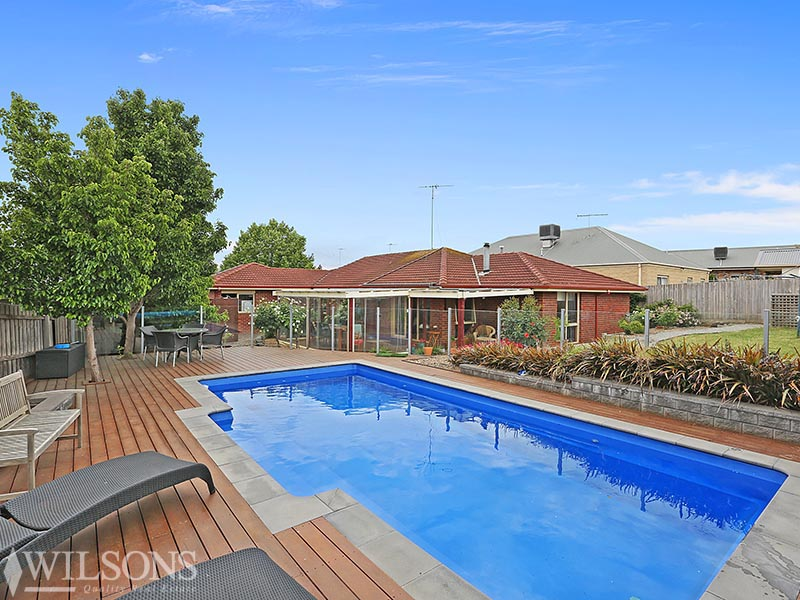 8 Willows Place, Leopold, Vic 3224