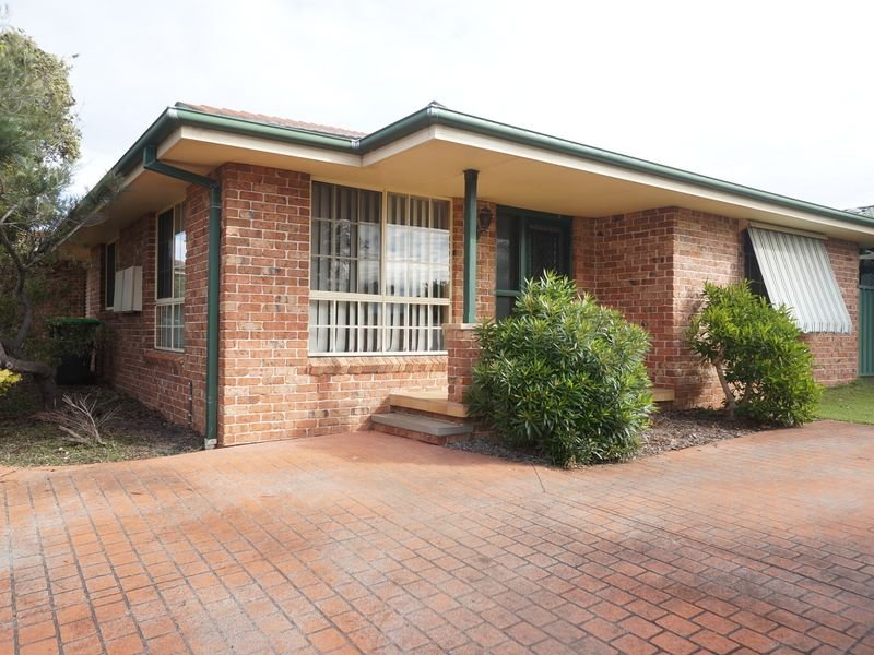 1/74 Old Bar Road, Old Bar, NSW 2430