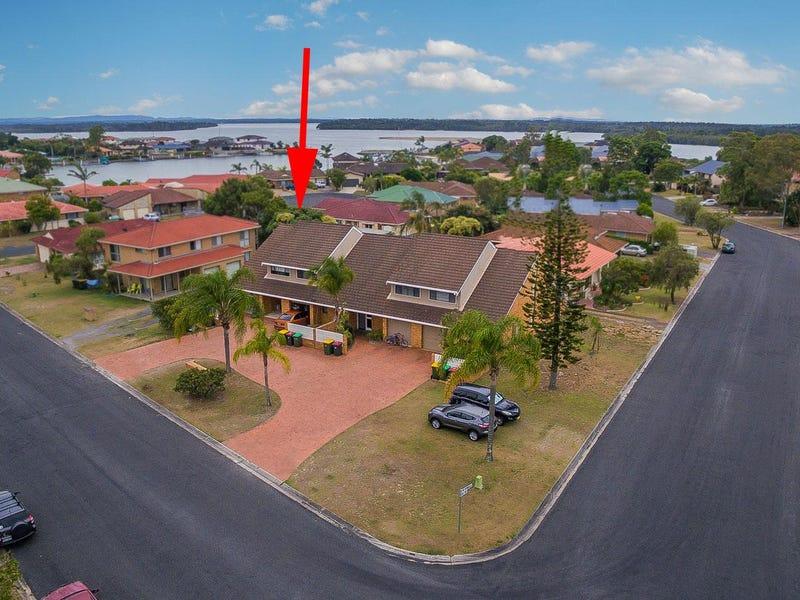 4/4 Mariners Way, Yamba, NSW 2464