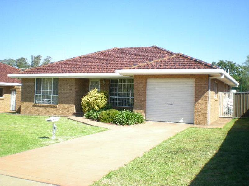 3/9 Ken Payne Place, Parkes, NSW 2870