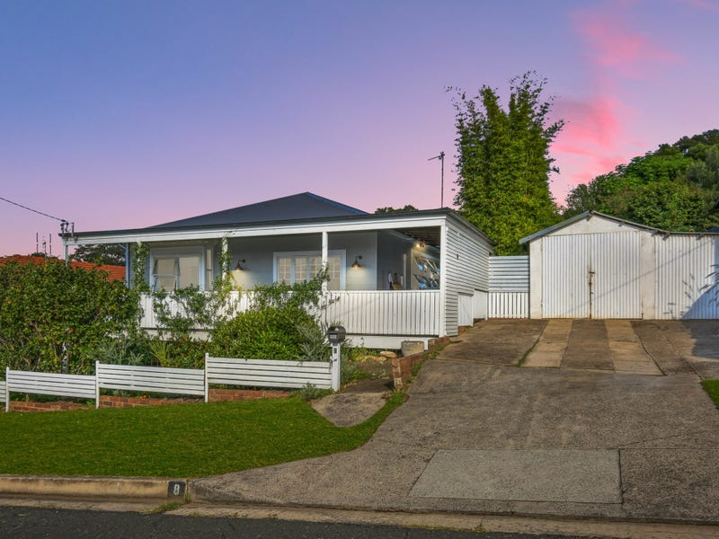 8 Beresford Street, Coniston, NSW 2500