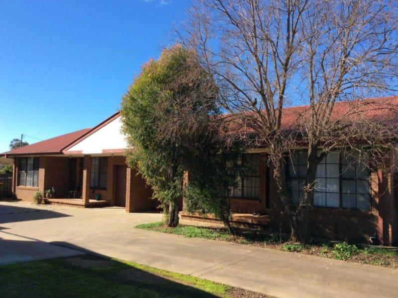 1 & 2/115 WATTLE CRESENT, Narromine, NSW 2821