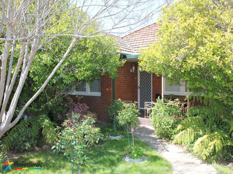 360 Stewart Street, Bathurst, NSW 2795