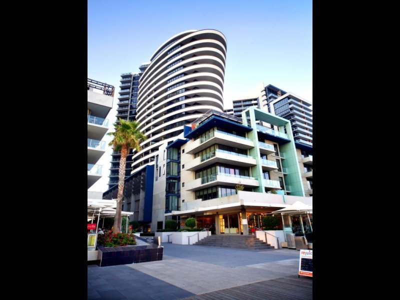 2102/15 Caravel Lane, Docklands, Vic 3008