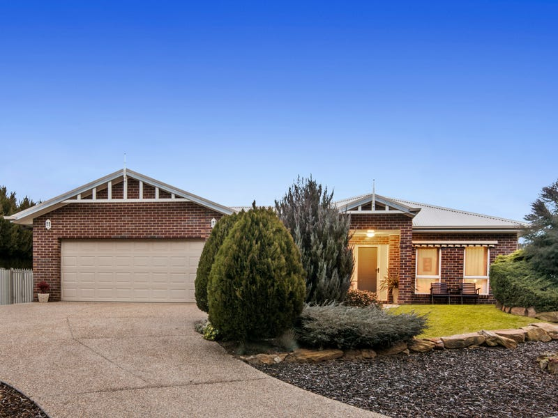 13 Pinnacle Terrace (off Penzance Ave), Golden Square, Vic 3555