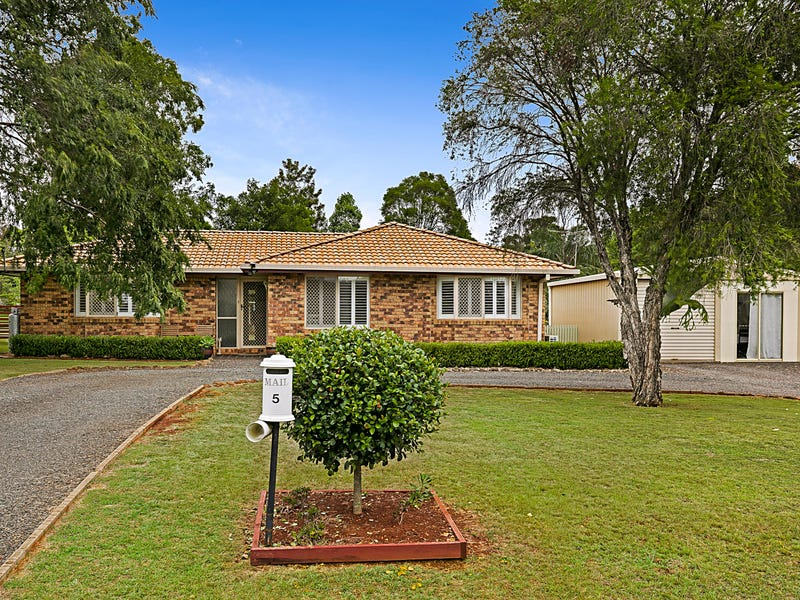 5 Reis Road, Highfields, Qld 4352