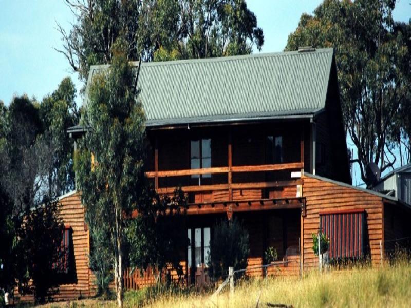 1050 Dicks Creek Rd, Gundaroo, NSW 2620