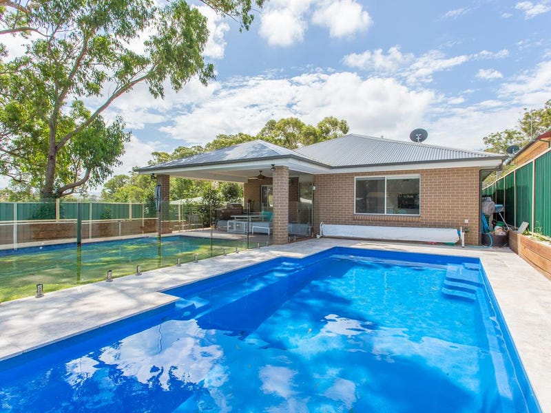 28 Macquarie Road, Fennell Bay, NSW 2283