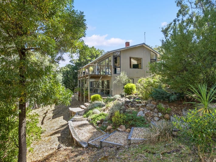 17 Forest Avenue, Hepburn Springs, Vic 3461