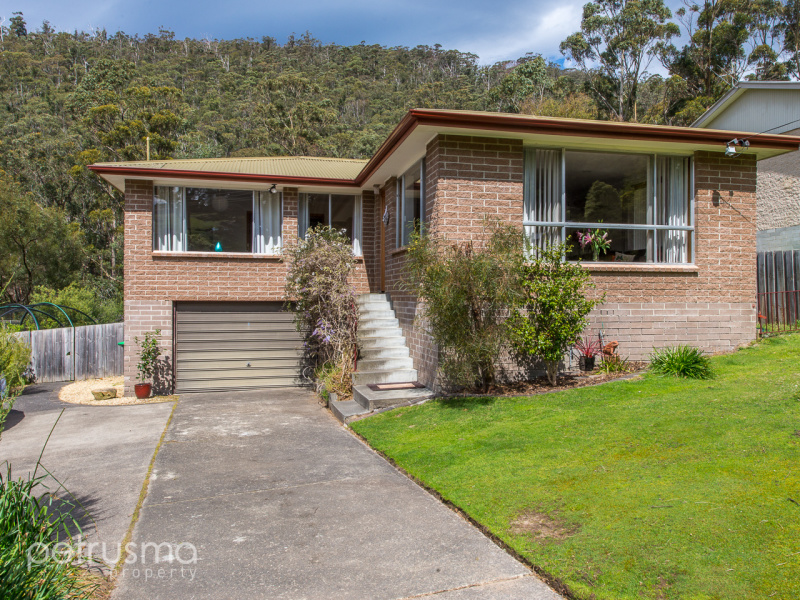 8 Lawley Crescent, South Hobart, Tas 7004