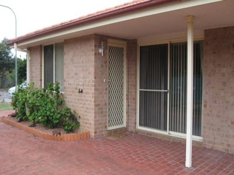 Unit 1, 12 Moir Place, Broulee, NSW 2537