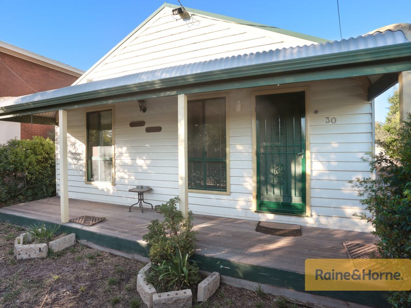 30 Monash Street, Melton South