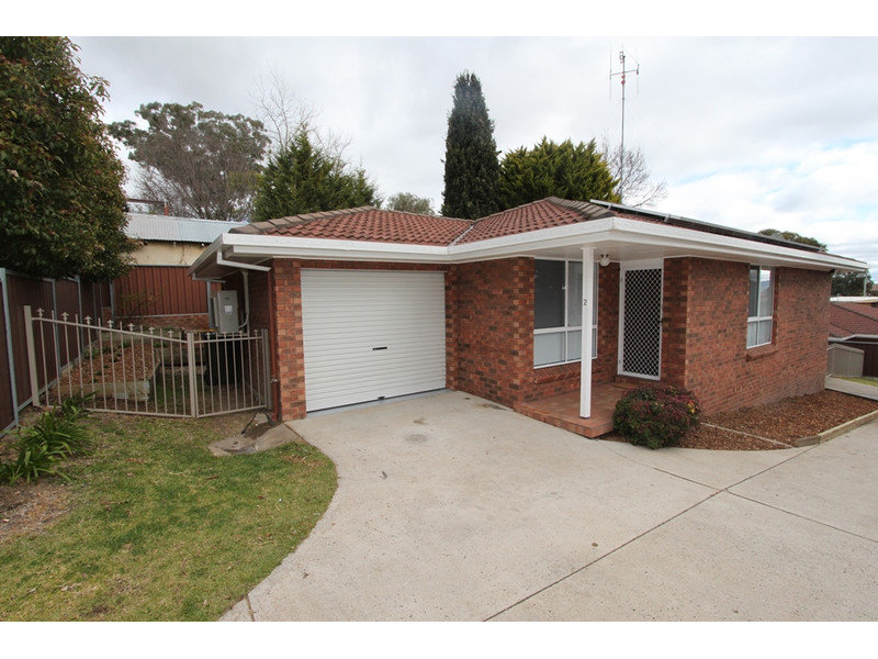 2/143 Mitre St, West Bathurst, NSW 2795