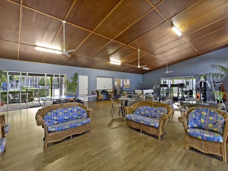 2/66 UNIVERSITY  Dr, Meadowbrook, Qld 4131