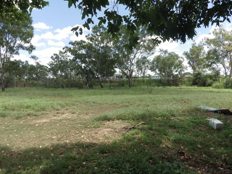 37 Muggins Lane, Yuleba, Qld 4427