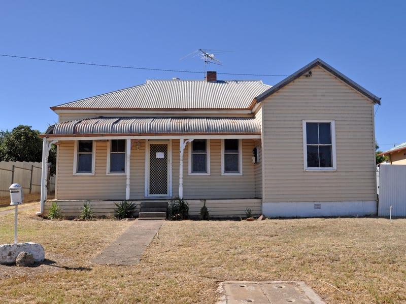 13 Prince Street, Junee, NSW 2663