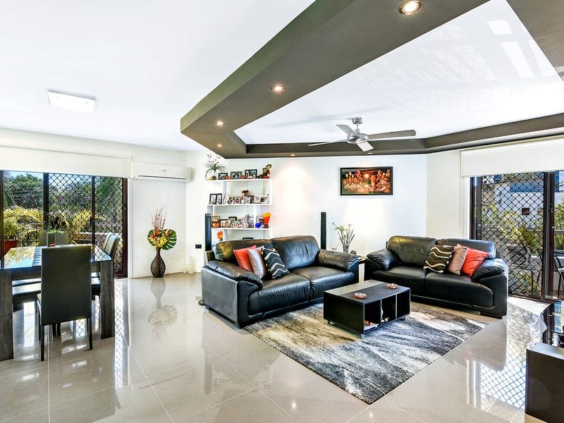 13 'Grangewood Court' 22 Second Avenue, Broadbeach, Qld 4218