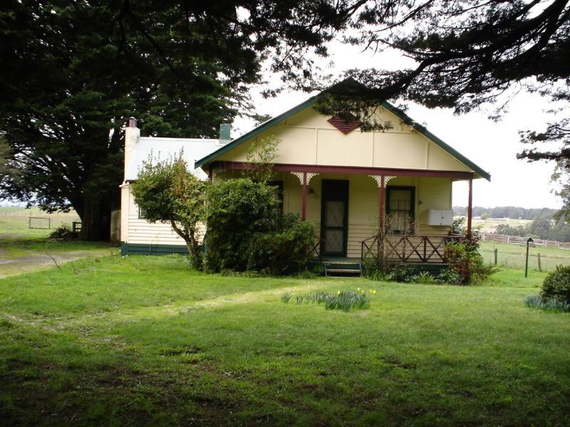 38 Deviation Road, Kinglake, Vic 3763