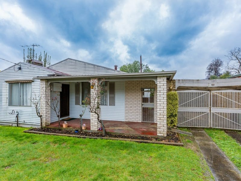 99 Lakeside Avenue, Mount Beauty, Vic 3699