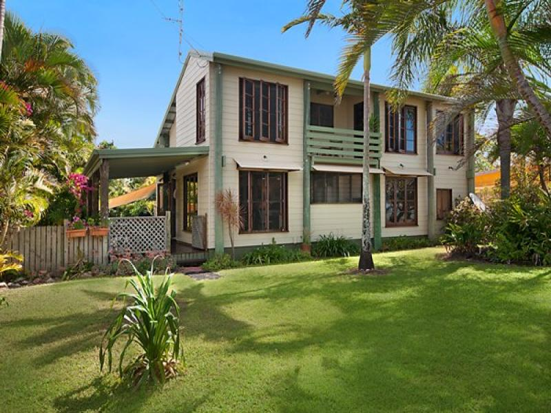36 Reef St, Saunders Beach, Qld 4818