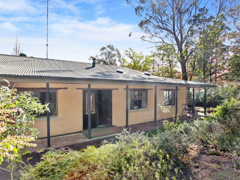 8 Mountbatten Street, Blackheath, NSW 2785