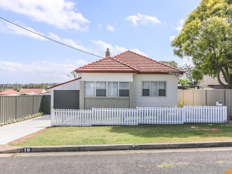 19 Glenroy St, Thornton, NSW 2322