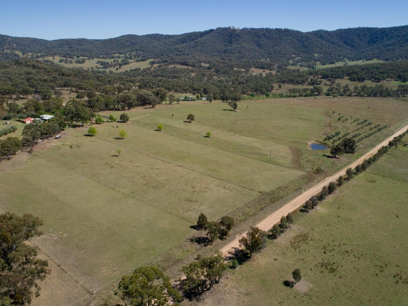 110 Hanwood Road, Moonbi, NSW 2353