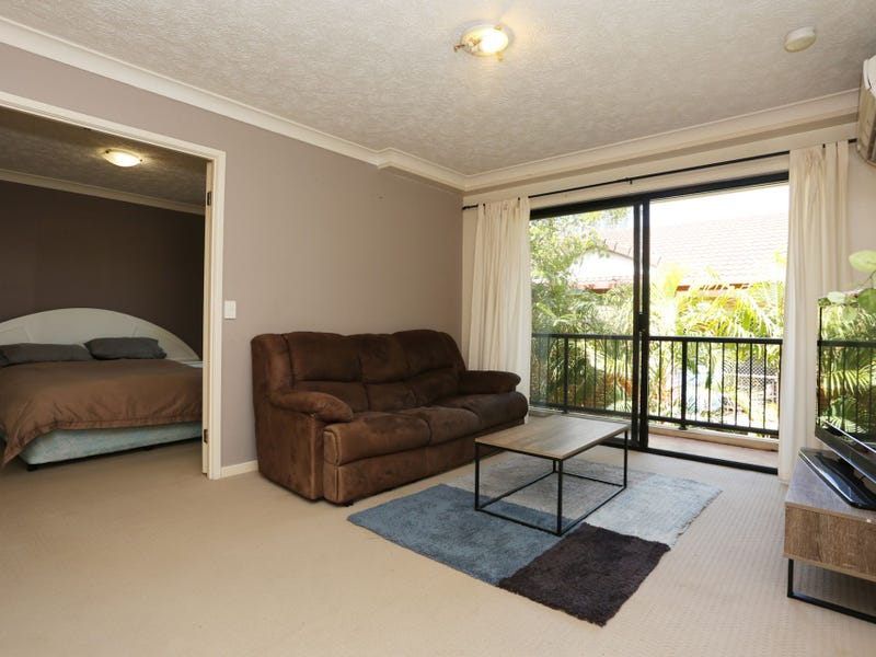 8/27 Chester Terrace, Southport, Qld 4215