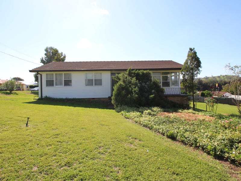 12 Shaw Crescent, Muswellbrook, NSW 2333