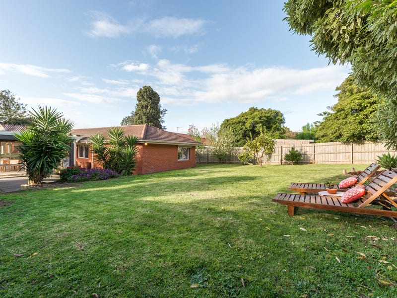 12 Foulds Court, Montrose, Vic 3765