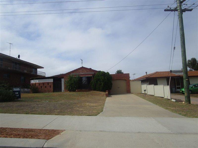 9 Richardson Rd, Port Denison, WA 6525