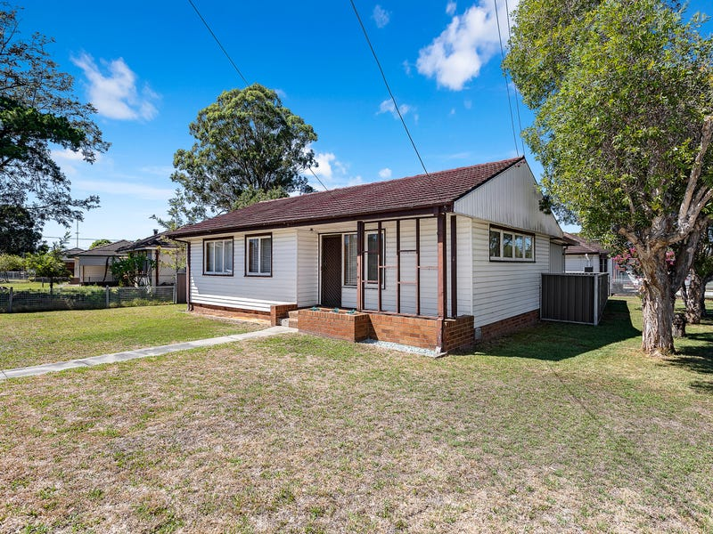 8 Armstrong Street, Ashcroft, NSW 2168