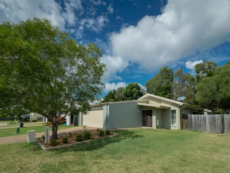 24 Wave Court, Toogoom, Qld 4655