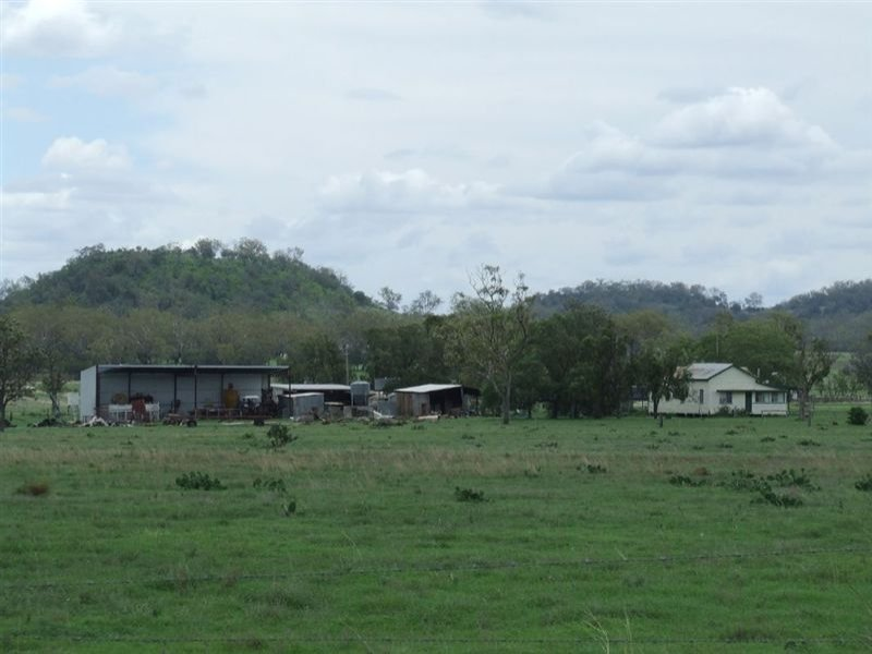- Oakey Road, Mount Tyson, Qld 4356