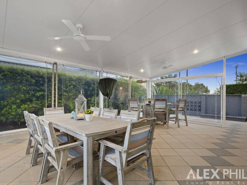 37 Abalone Ave, Paradise Point, Qld 4216