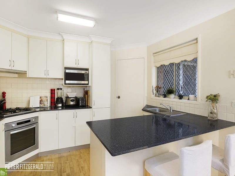 33/4 Fisher Street, West Wollongong, NSW 2500