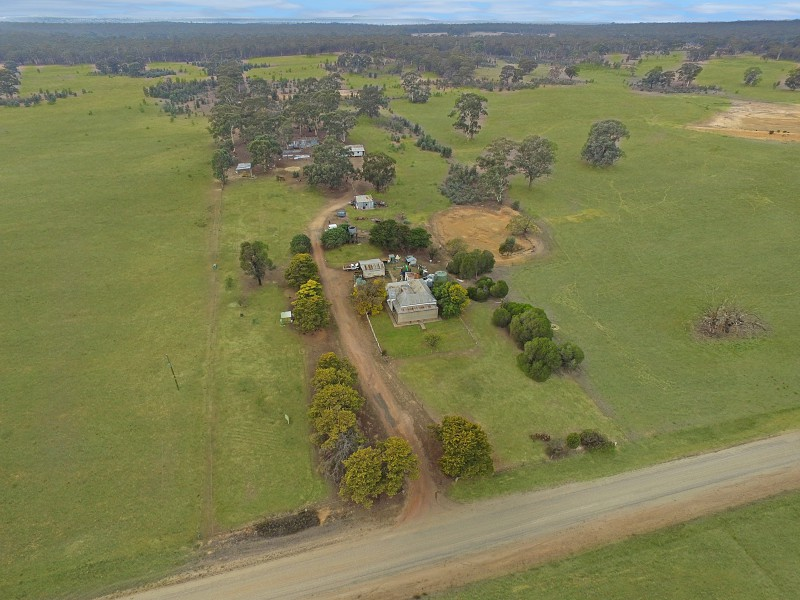 Corner of Bowles Rd and McGraths Rd, Longlea, Vic 3551