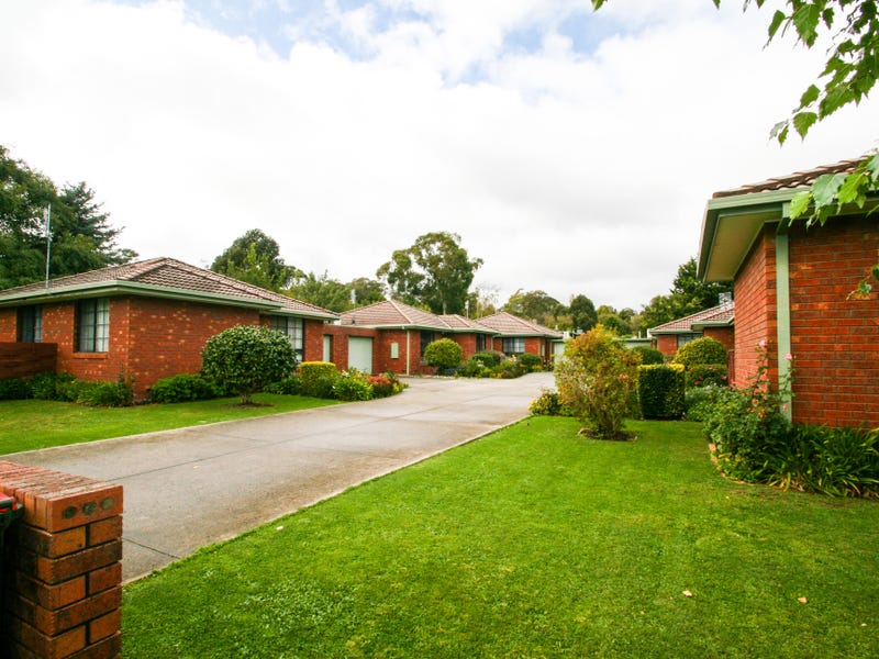 2/2-4 Buckland Street, Woodend, Vic 3442