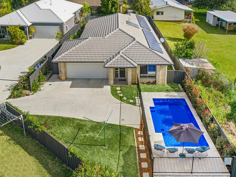 13 Moonee Creek Dr, Moonee Beach, NSW 2450