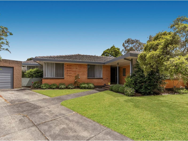 4 Bogong Court, Frankston, Vic 3199