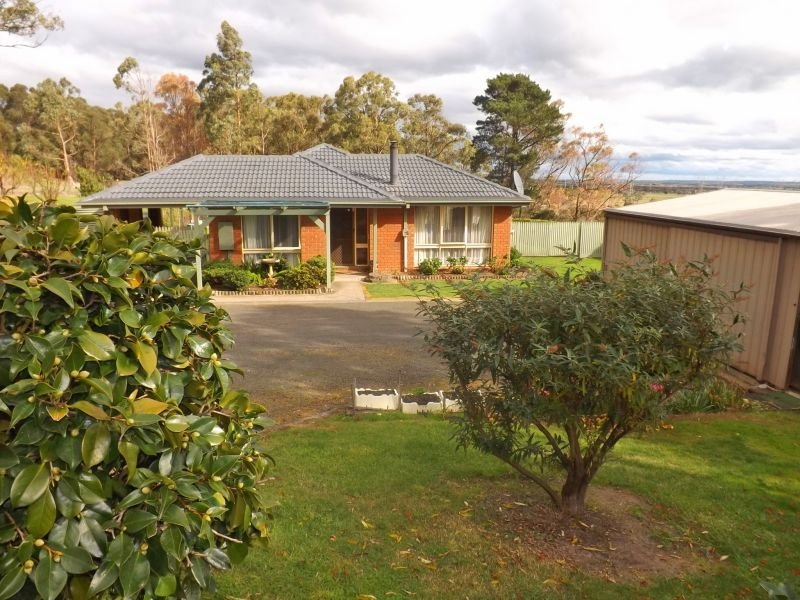 13 Cemetery Road, Trafalgar East, Vic 3824