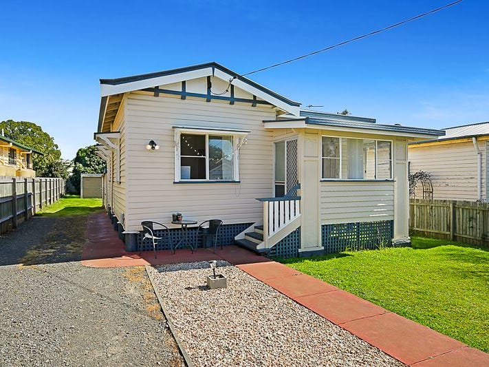 25 Clark Street, South Toowoomba