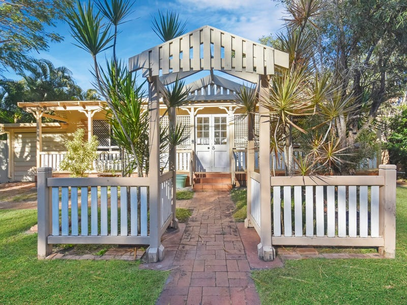 8 McGregor Terrace, Beachmere, Qld 4510
